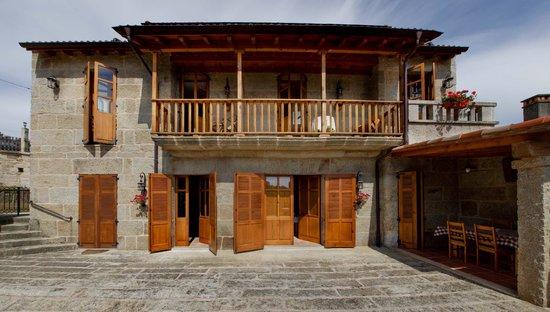 Casa da Solaina: Solaina y patio