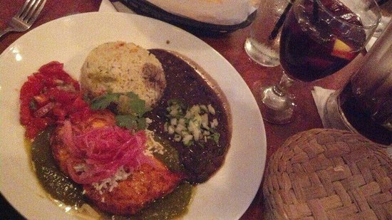 Red Mesa Restaurant: Pollo Yucatan and sangria... mmmm...