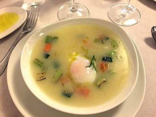 il buco Sorrento: Potato Soup with Vegetables & Poached Egg