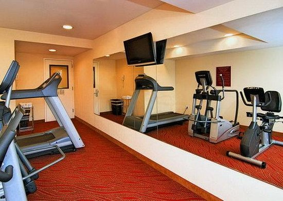 Comfort Inn & Suites Airport: Fitness Center
