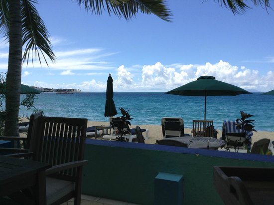 Azure Hotel & Art Studio: View of the beach from the breakfast table