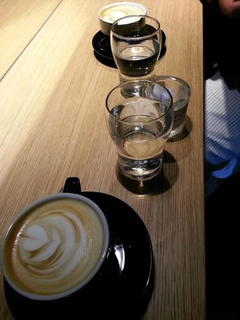 Eliscaffe: cappuccino with a side of water
