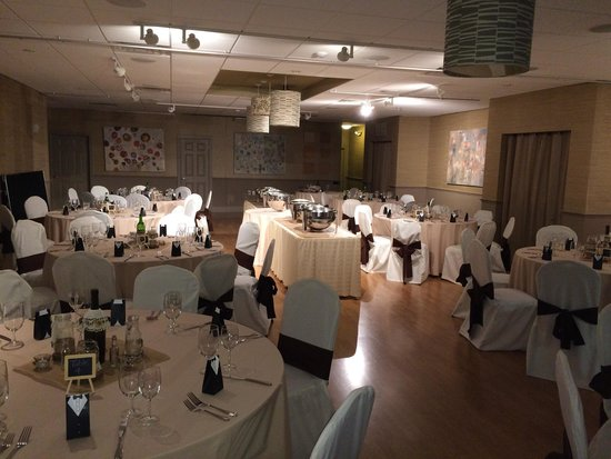 Sage Inn & Lounge : The wedding dinner service all set and ready to g.