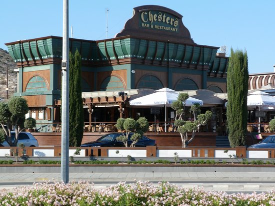 Atlantica Bay Hotel: Chesters Bar & Restaurant