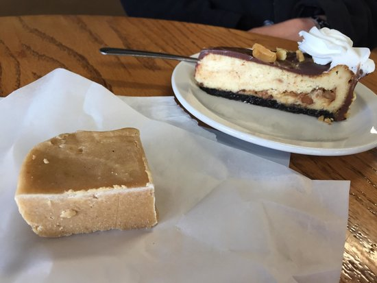 Familiar Grounds: Pumpkin pie fudge and snickers cheesecake!