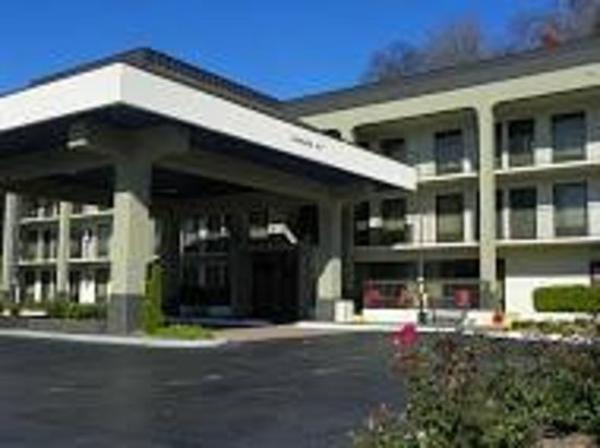 Baymont Inn & Suites Nashville Airport/ Briley: Front Outside