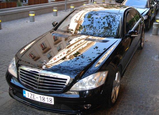 Prestige Limousine Service - Picture of Prestige Limousine