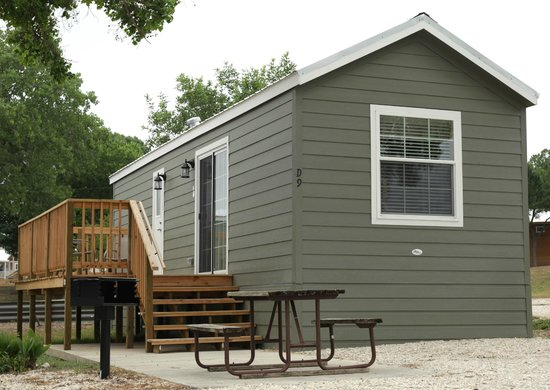 Hill Country Cottage and RV Resort: The Rio Grande Cottage
