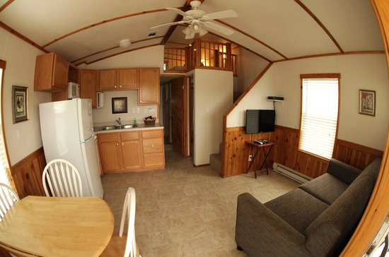 Hill Country Cottage and RV Resort: The San Marcos cottage is a one bedroom with a loft and sofa sleeper