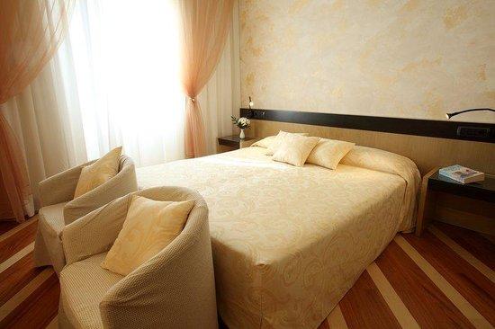 โรงแรมซานปิ มิลาโน: Comfort Room at Hotel Sanpi Milano