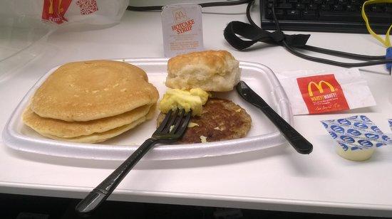 McDonald's: Big Breakfast with Hot Cackes