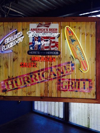 Hurricane Grill & Wings: I loved this place