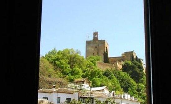Puerta de Las Granadas : Vista desde la habitación!!