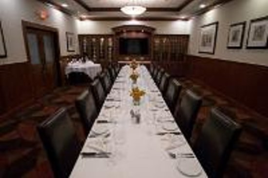 Downtown Grille: Banquet Room Meeting