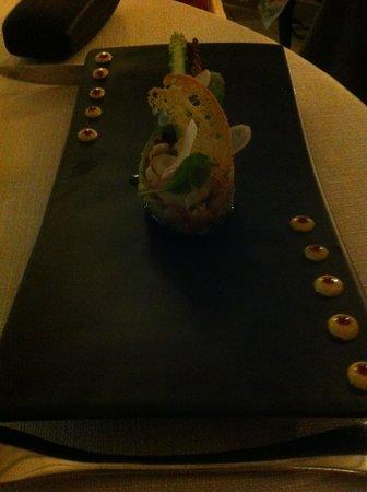 L'authentic : Entrée n° 1: homard sur tartare de légumes