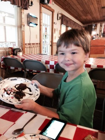 The Old Cookstove Restaurant: Brownies and ice cream. Oh my!