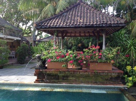 Tandjung Sari: Pool Area