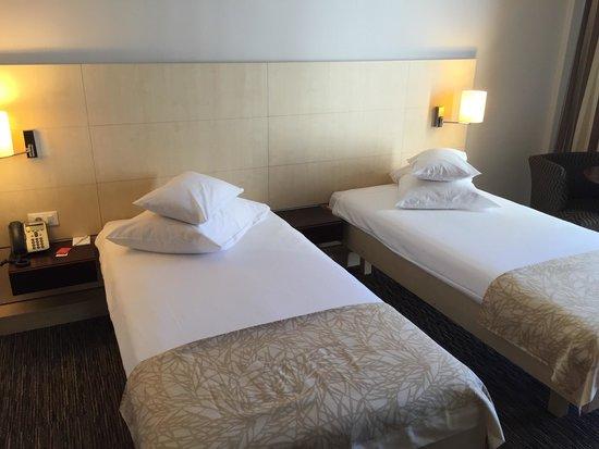 chambre sup rieure 2 lits jumeaux photo de valamar lacroma dubrovnik dubrovnik tripadvisor. Black Bedroom Furniture Sets. Home Design Ideas
