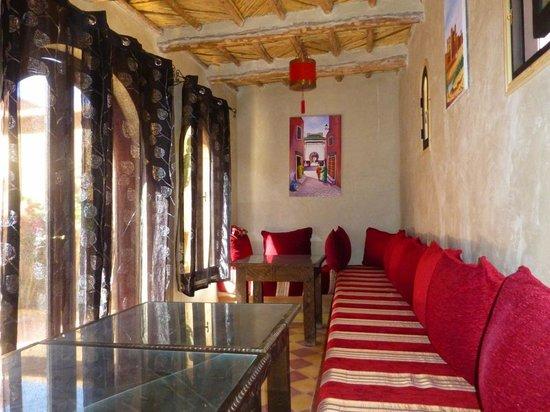 Maison d 39 hotes kasbah la cigogne hotel ait ben haddou for Salon zen rabat tarifs