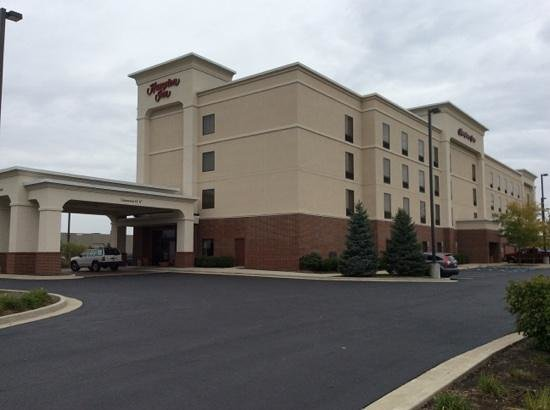 Hampton Inn Indianapolis Northwest - Park 100: View From the Street
