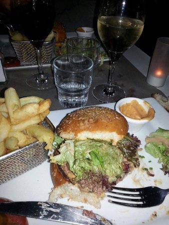 Brasserie La Cantine de Deauville: Cheesburger !!