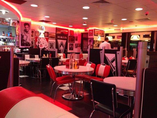 Mattia Diner: Inside the Diner