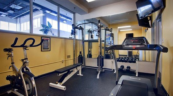 Ramada East Syracuse Carrier Circle: Early Morning Workout?