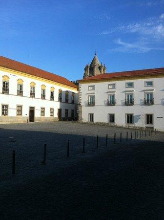 Conde de Vila Flor Square (Évora)