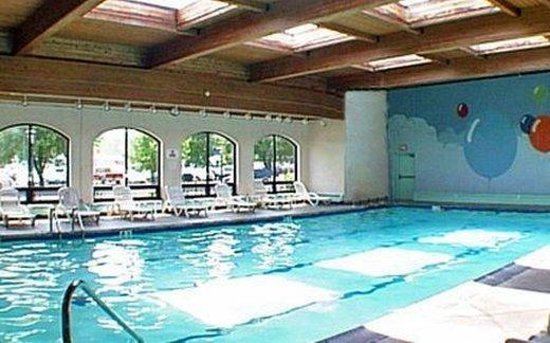 Penn Wells Hotel & Lodge: Pool