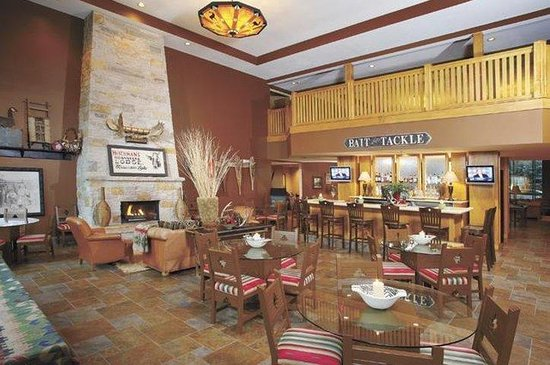Wildwood Lodge: CSPew Lobby