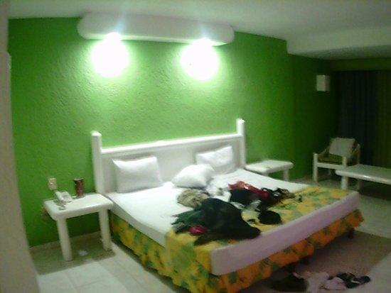 Solymar Cancun Beach Resort: cama