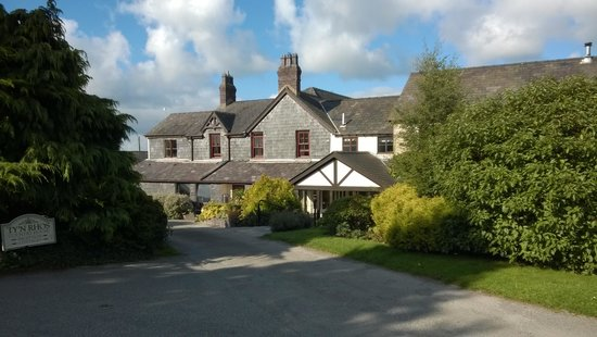Tyn Rhos Country House: Front of Hotel