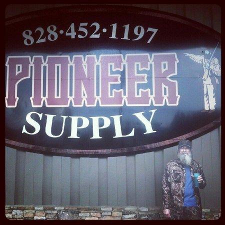 Waynesville, NC: Pioneer Supply