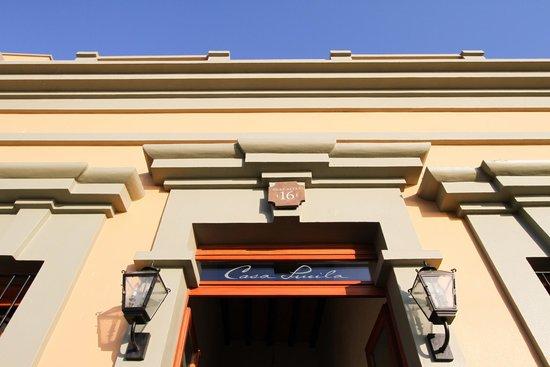 Casa Lucila Boutique Hotel: Casa Lucila facade & entranceway