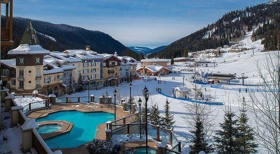 Residences at Sun Peaks Grand: Pool