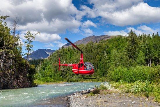 Winterlake Lodge: heli adventures