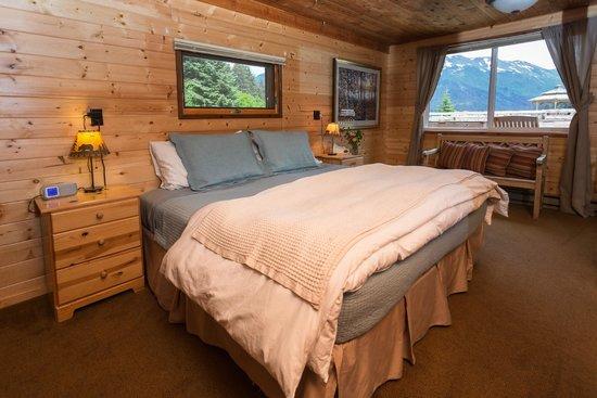 winterlake lodge king bed - Alaskan King Bed