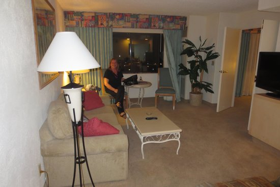 Harrah's Laughlin: nice living room and view