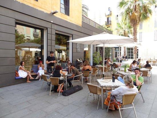 Terraza Picture Of Alsur Cafe Lluria Barcelona Tripadvisor