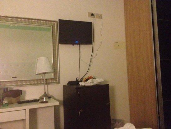 La Perla Hotel: Cemere