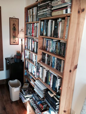 Chocolate Chip Bed and Breakfast: All the books you could ever need, and games to play with other guest!