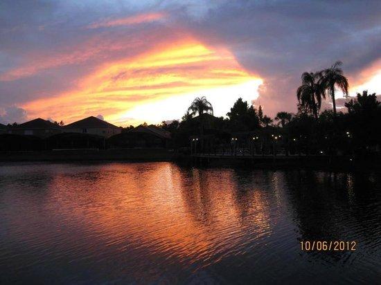 Por do sol  no lago do Terra Verde Resort