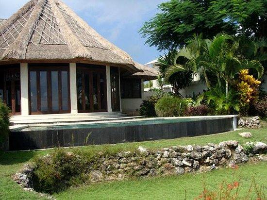 Blue Point Bay Villas & Spa: área externa do spa