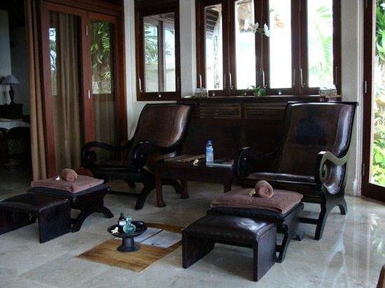 Blue Point Bay Villas & Spa: sala de espera do spa