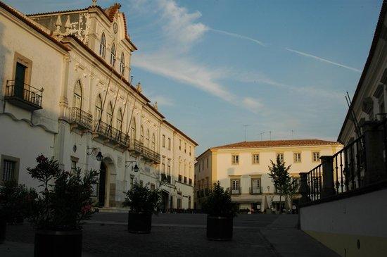 Sertorio Square (Evora)