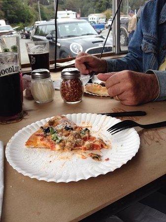 Zola's Pizzeria: combo pizza