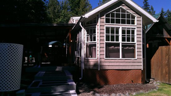 Robin Hood Village Resort: Cabin #8