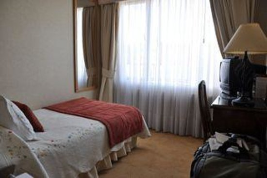 Best Western Hotel Finis Terrae: Small but adequate single room