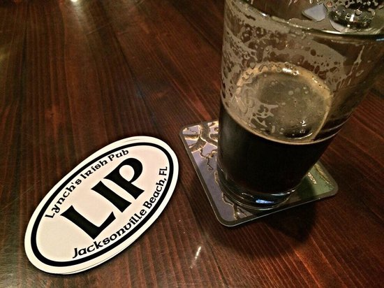 Lynch's Irish Pub: Fantastic service, great selection of beer and AMAZING staff!