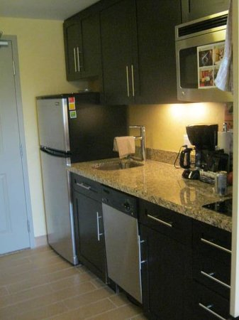 TownePlace Suites Sudbury: Kitchen